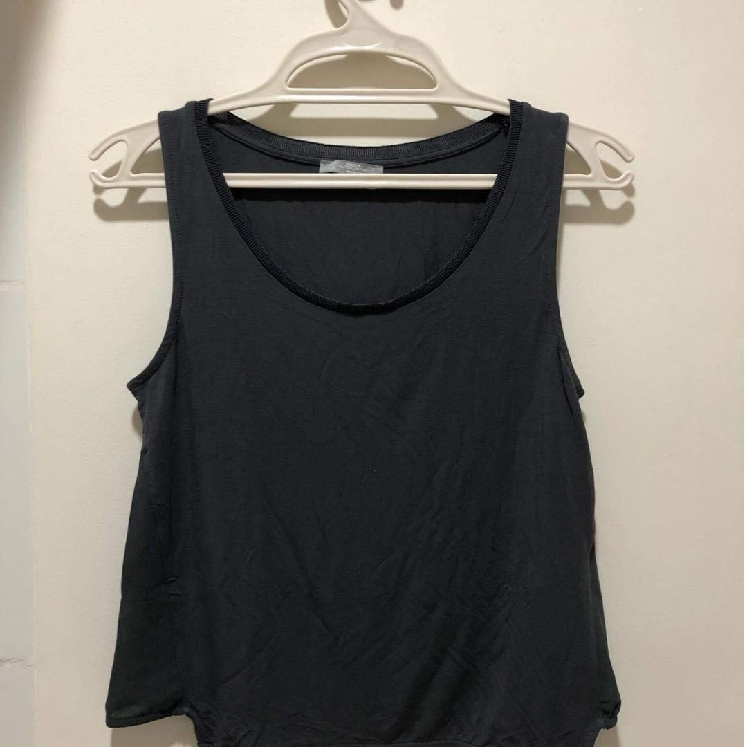 67278bb0f768 Branded clothes for super cheap price! on Carousell