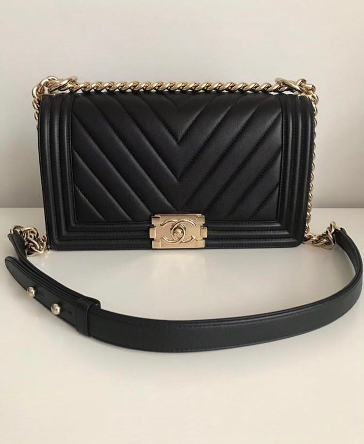 506357c89d23 Chanel Boy Chevron Medium Black Caviar ghw,shw, Women's Fashion ...