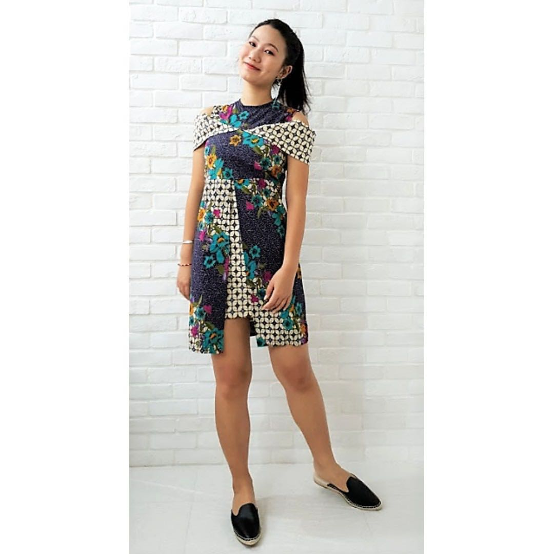 Cold Shoulder Fit Batik Dress Dr0400
