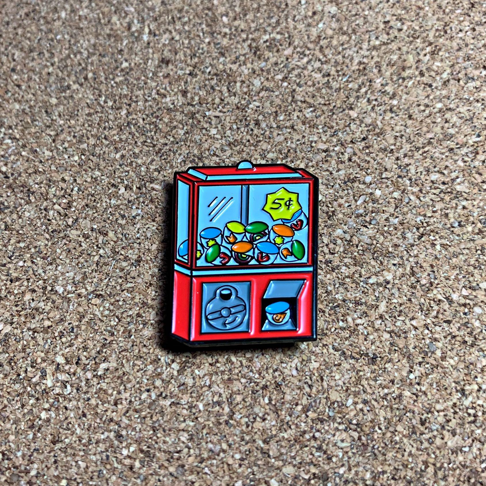 (Enamel Pin) Gumball Machine