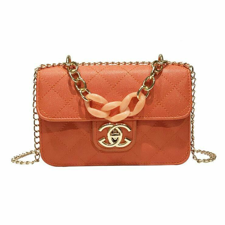 Korean Women's Fashion Solid Color Quilted Pattern Chain Decoration Metal Logo Design Chain Shoulder Bag