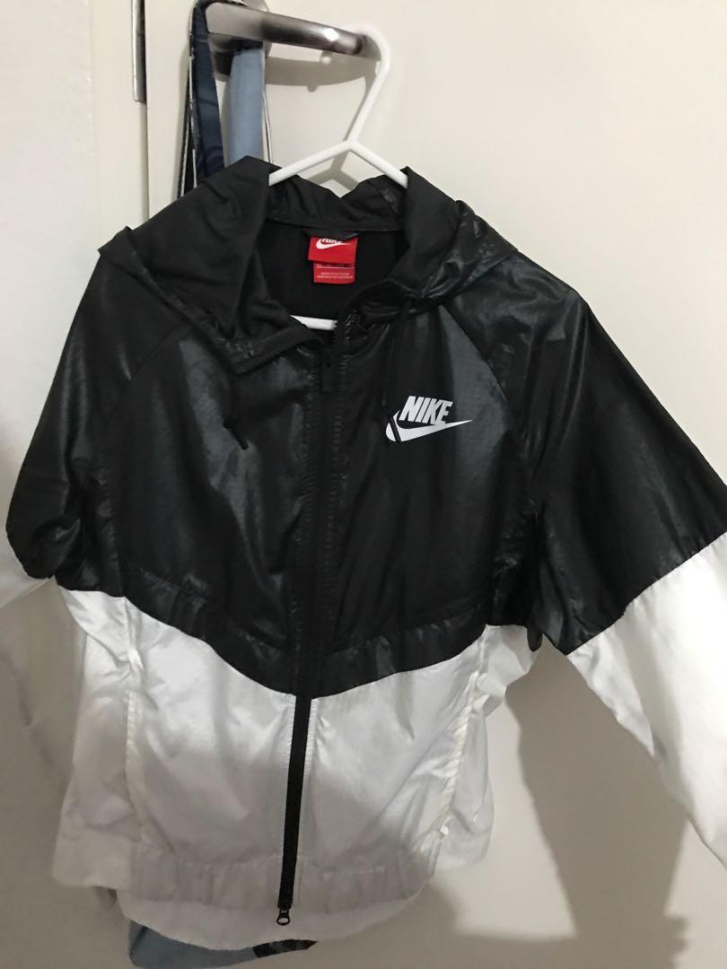 Nike windbreaker windrunner jacket