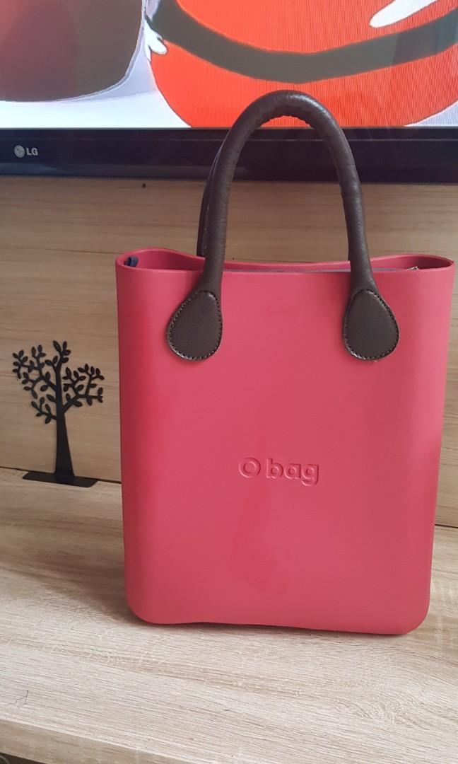 O Bag Italy strap dan kain dalam tas bisa ganti2 see link https://www.ourbagonline.com/product-guides-our-bag-online-s/2020.htm