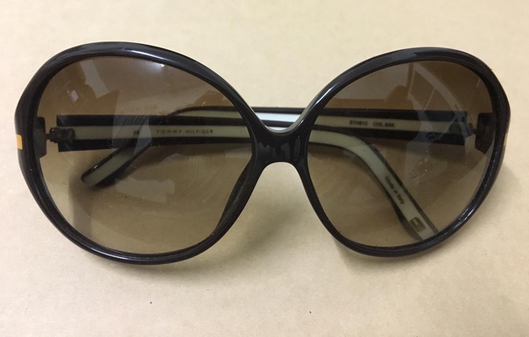 5730e397ef Original Tommy Hilfiger Sunglasses