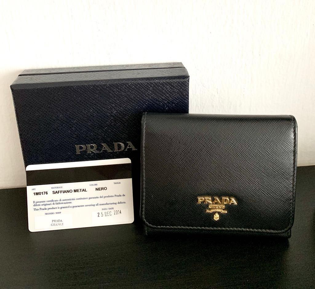 attractivedesigns size 7 purchase genuine Prada Saffiano Leather Short Trifold Clasp Wallet- Black ...