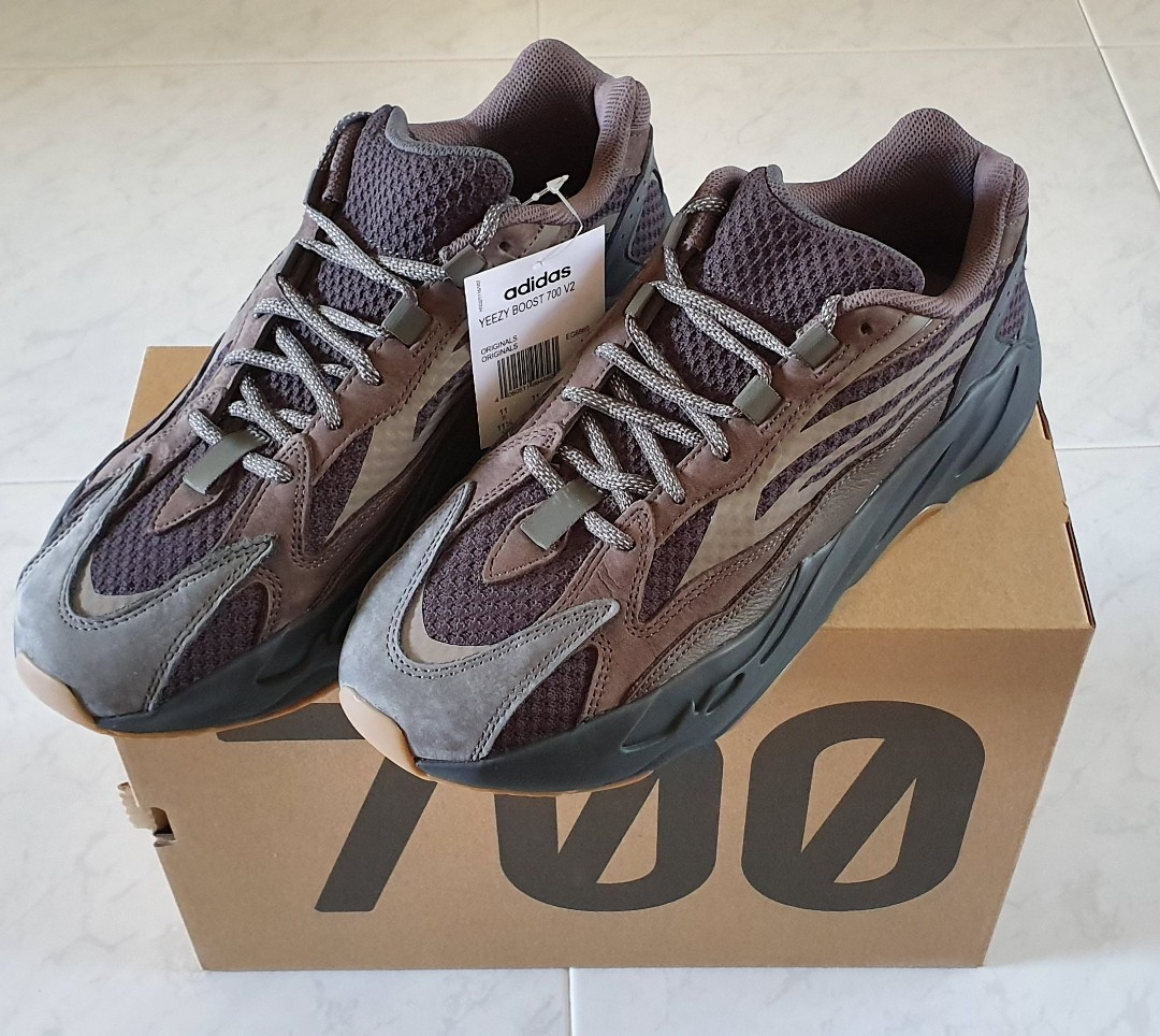 04aed7cca RETAIL  WTS DS Adidas Yeezy 700 Geode US11.5