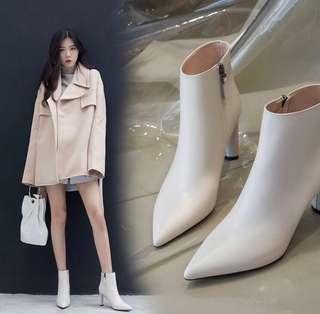 🚚 (全新)真皮尖頭粗跟側拉鍊百搭白色短靴
