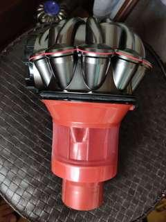 全新 原裝 Dyson v6 cyclone 氣璇 連 pre filter