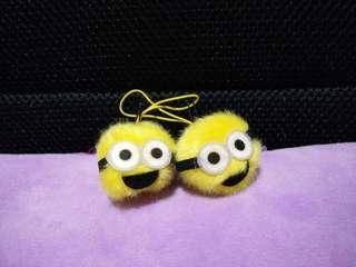 Minion fluffly pom-pom keychain