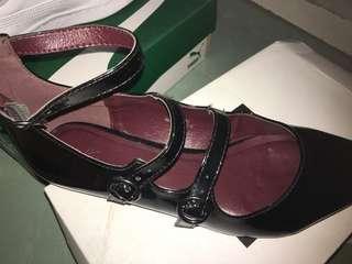 女裝平底尖頭鞋