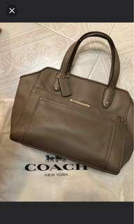🚚 Coach