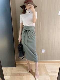 🚚 綠色的褶皺系帶半裙