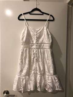 BNWT - White Flowy Dress size 8/10