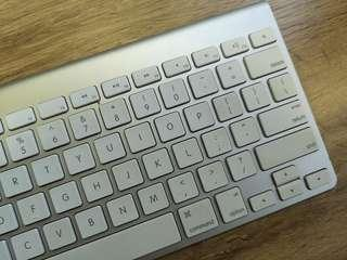 Apple Original Wireless Keyboard