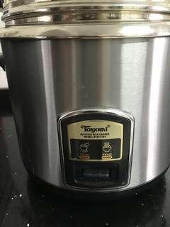 Toyomi rice cooker and warmer 2.2 L