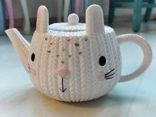 #EndgameYourExcess Cute Porcelain Bunny Teapot