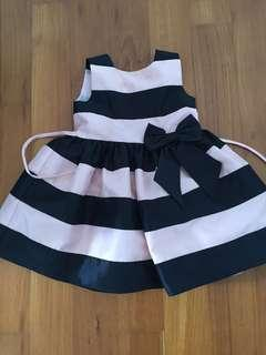 🚚 Pretty dress 2 years old