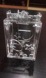 🚚 Acrylic Foraging Toy