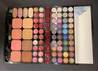 Eyeshadow Palette (多色,包唇膏)