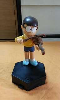 大雄 拉小提琴音樂盒