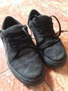 Sepatu Nike SB full Black