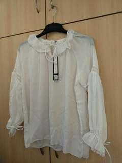 時款白色恤衫全新