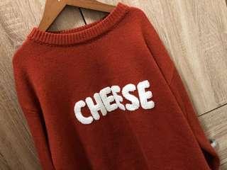 🚚 Cheese字樣毛衣
