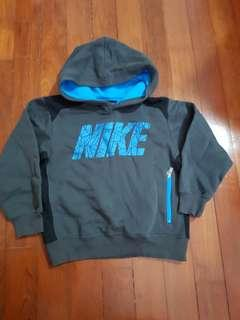 Nike Boys hooded jacket for 5 to 6 years