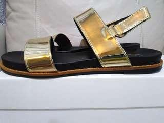 Brand New Nelissa Hilman Rita Sandle in Gold Sz UK5