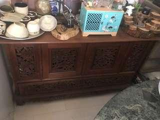 🚚 Solid wood cabinet