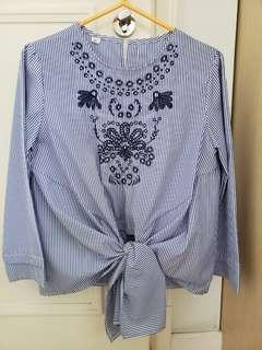 Blue stripe embroidery top