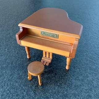 鋼琴造型音樂盒