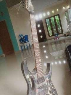 Gitar ibanez plower series