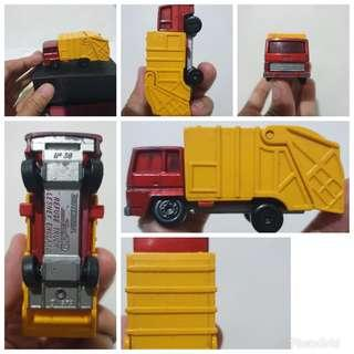 Vintage Lesney Matchbox Superfast series No 36 Refuse Truck 1979