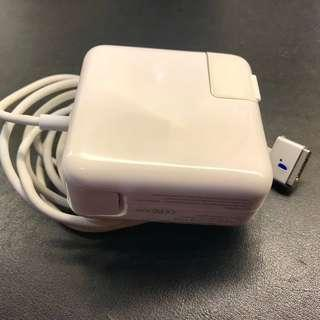 🚚 MacBook Air 45W 2 Power Adapter充電器