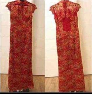 🚚 Cheongsam perfect for wedding. Only worn once!
