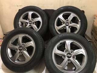 Hyundai Elantra OEM Mags with Thick Nexen Tires fit sa Adventure Revo Innova APV Ertiga