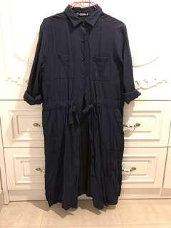 深藍色長袖外套