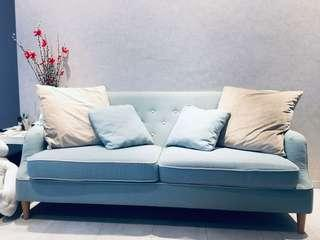 2 seater sofa include two pillows