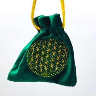 🚚 【沐星藝坊】雙面刺繡生命之花五芒星香囊袋