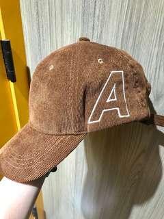 Korea Cap 啡色 燈芯絨料 A字 cap帽