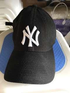 黑色潮流鴨仔帽