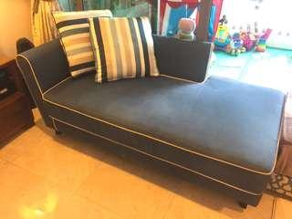 Fella Design lazy lounger