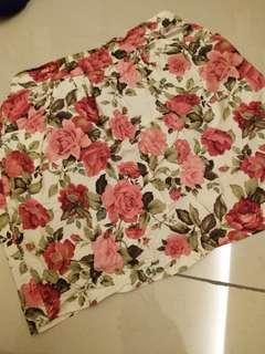 Flower print short skirt