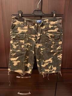 🚚 迷彩褲 短褲