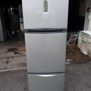 Peti ais,Toshiba,3pintu,Very Good Condition With One Month Warranty working Condition 100%  prefer self pic up trasport can manage will be charged  BuyerCan call/Sms Or Whatsup.0142259035  Taman pandan cahaya jalan 2/3
