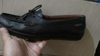 Jual sepatu TRISET 100 % ori