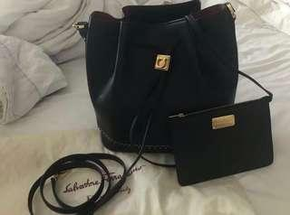 [URGENT] Salvatore Ferragamo Handbag ORIGINAL