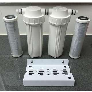 Water Purifier with 2 white housing and 2 Carbon Block filters