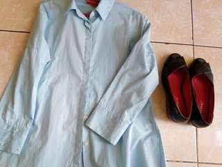 Woman blue shirt and shoes